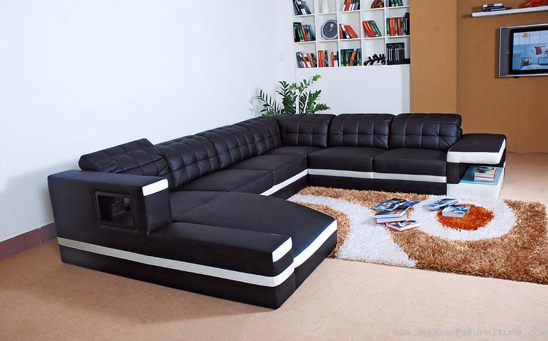 Luxury and Contemporary Black Leather Sofa With Sleeper