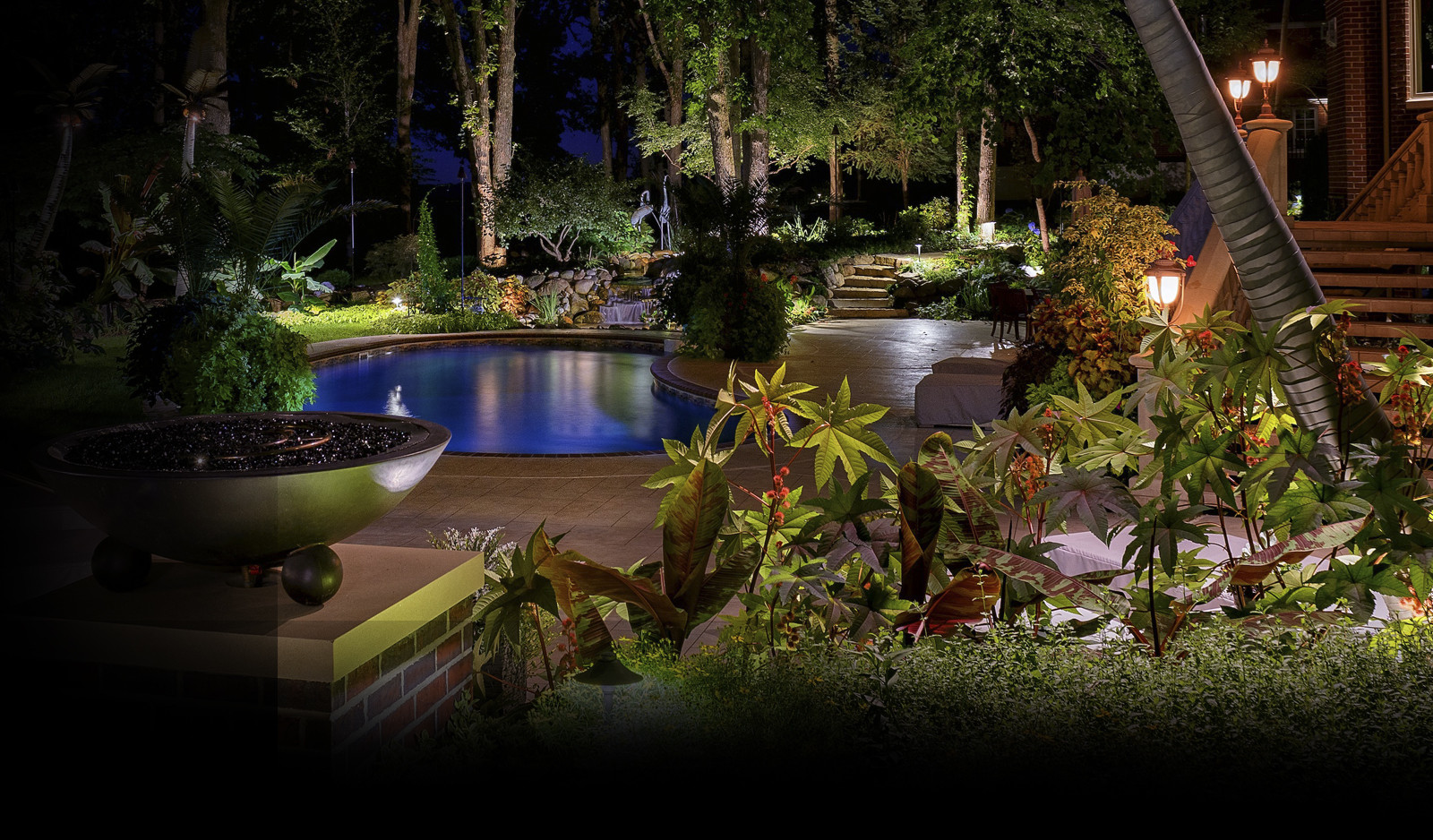 outdoor lighting for pool in front yard