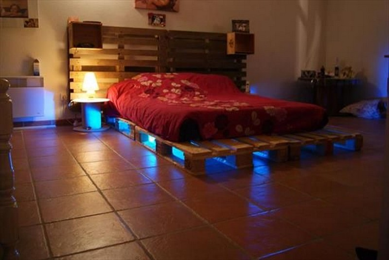 Cool Bed Frames Made With Pallets