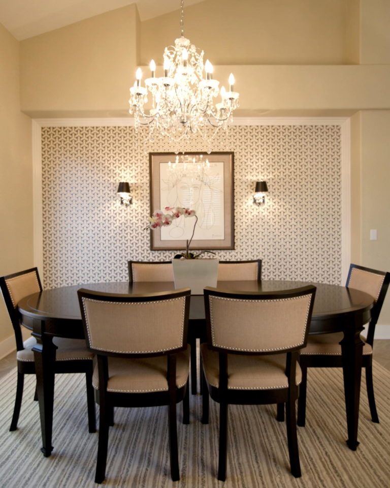 Contemporary crystal dining room chandeliers idea for modern dining room space